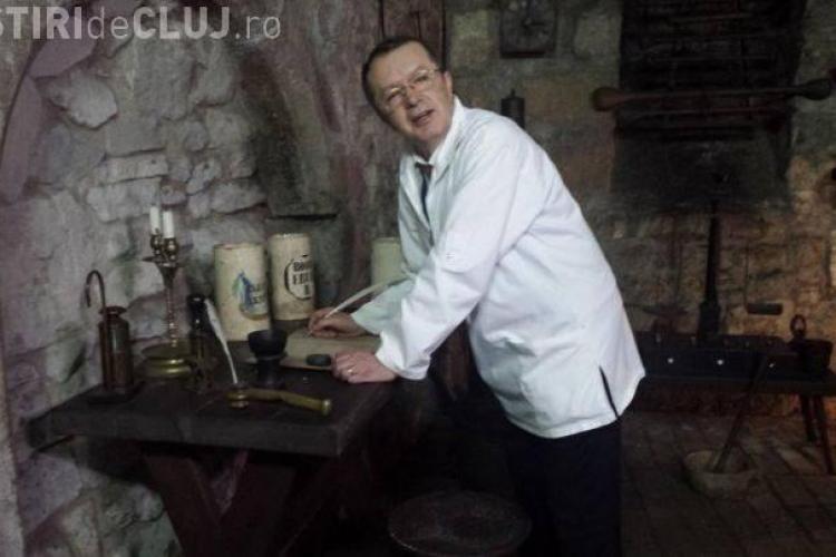 """A murit Radu Crișan, """"sufletul"""" Muzeului Farmaciei din Cluj"""