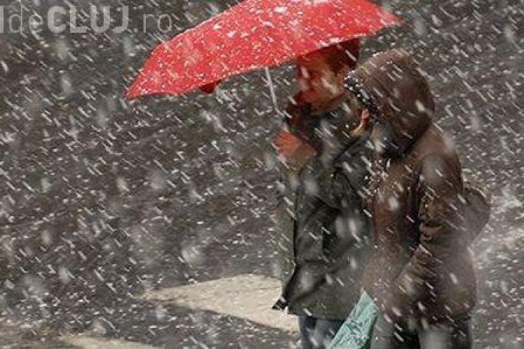Vreme rece, lapoviță și ninsori la Cluj. Ce anunță meteorologii