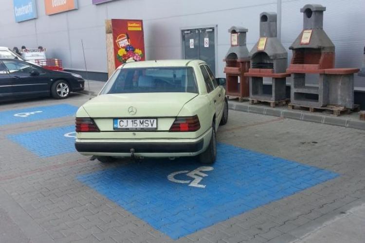 Cluj-Napoca: Amenzi de 4800 de lei pentru ocuparea parcările persoanelor cu dizabilități