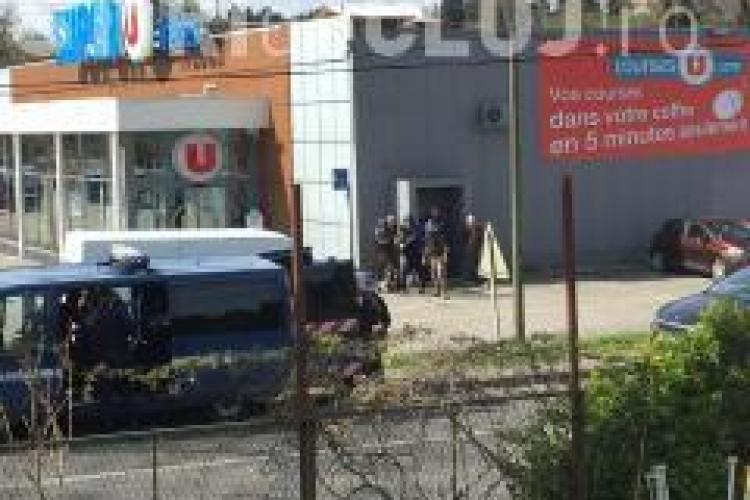 Atac terorist, soldat cu trei morți, în Franța. Atacatorul a fost împușcat mortal