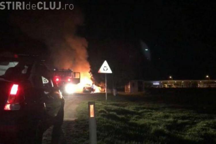 CLUJ: O mașină s-a făcut SCURM la ieșirea din Câmpia Turzii VIDEO