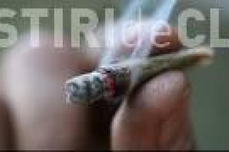 Tineri prinși cu droguri la ei, în Mănăștur. Cinci dintre ei erau minori