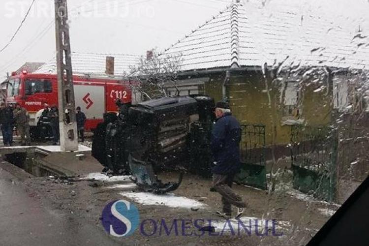 Accident între clujeni, la Reteag. O femeie, fiica sa și socrul au ajuns la spital VIDEO