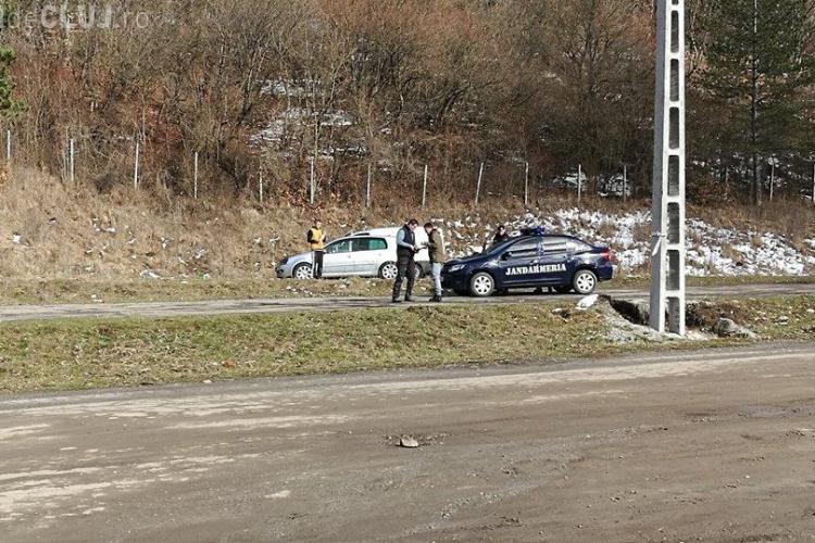 Cluj: Au făcut mici pe marginea drumului și au fost amendați de jandarmi - FOTO