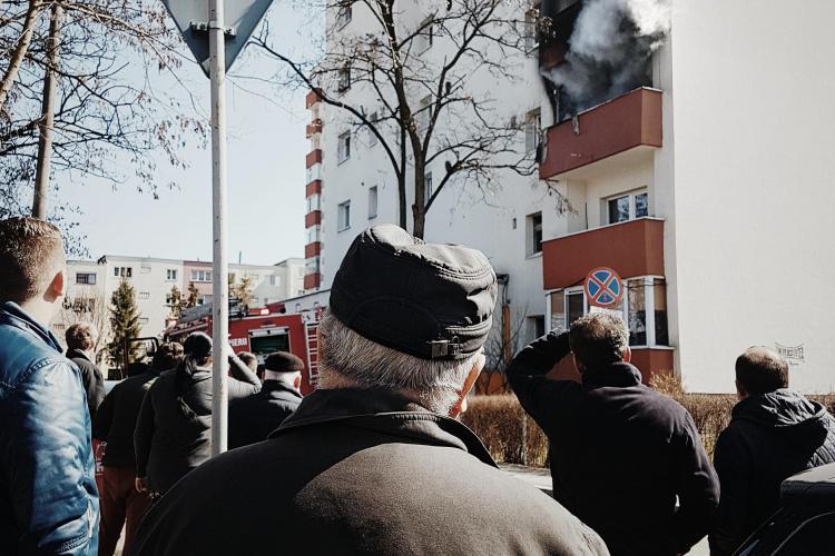 Incendiu la un apartament din Mănăștur, pe strada Răvașului - FOTO