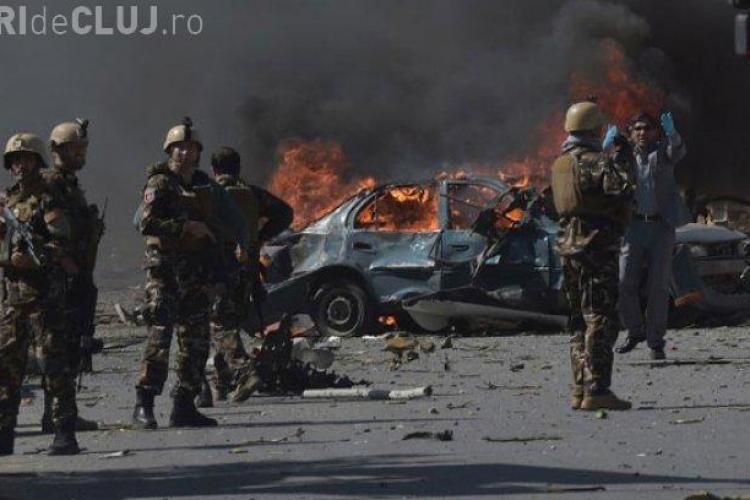 Opt soldați români răniți într-un atentat din Afganistan, soldat cu moartea a 11 copii