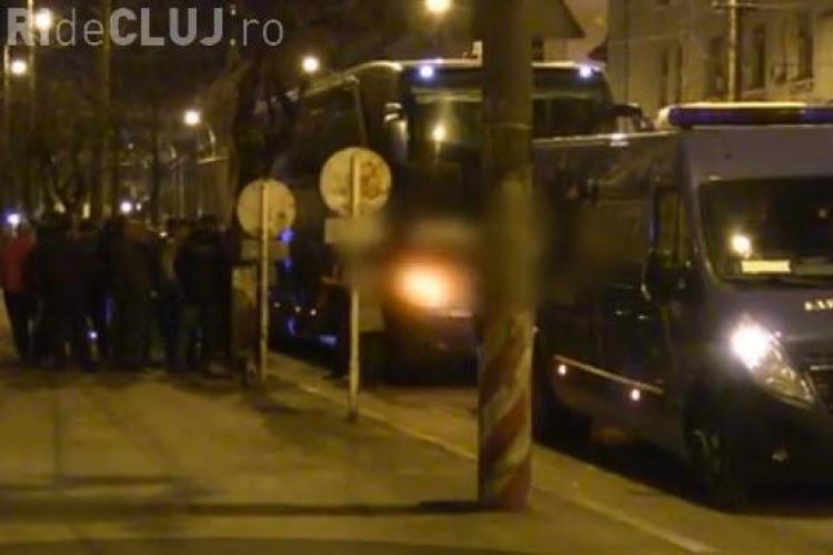 Cluj: Colet SUSPECT într-un autocar ce venea din Spania. Mascații au intervenit pe Dorobanților