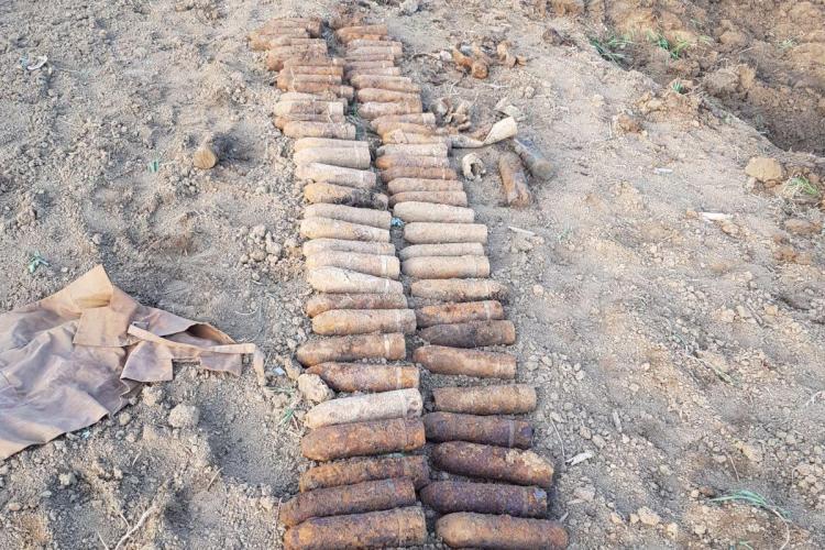 Peste 140 de elemente de muniție de război NEEXPLODATE, descoperite de pompierii clujeni FOTO