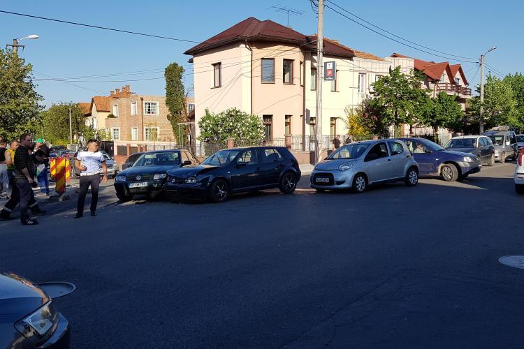 Accident cu trei mașini pe Constantin Brâncuși - VIDEO