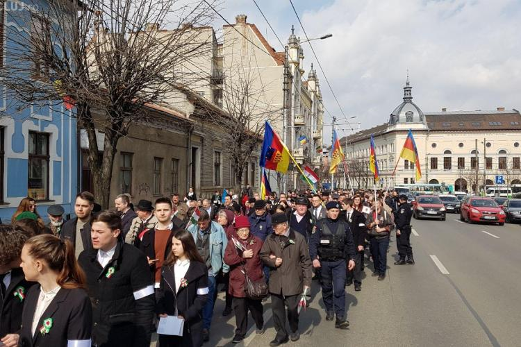 Peste 1000 de etnici maghiari mărșăluiesc la Cluj de Ziua maghiarilor de pretutindeni FOTO/VIDEO