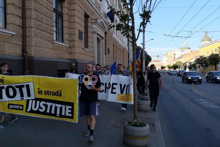 Protest cu 500 de oameni la Cluj-Napoca: Toți în stradă pentru Justiție - FOTO