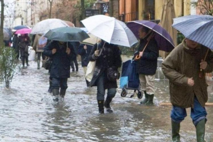 Cluj: Cod PORTOCALIU de ploi