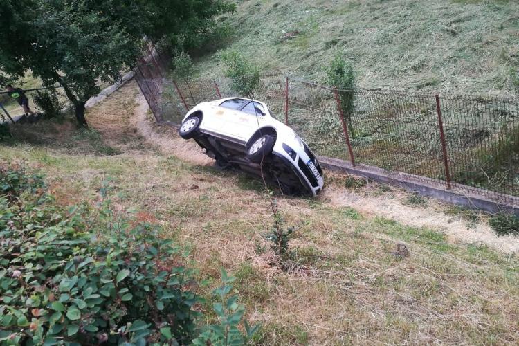 Ziua și accidentul la IRA! Un taximetru s-a răsturnat de pe pod FOTO/VIDEO