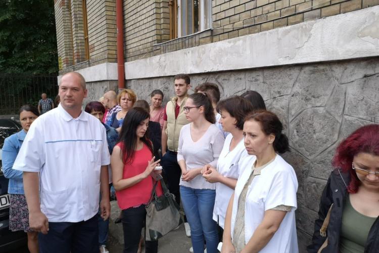 CLUJ: Tehnicienii radiologi au protestat la Spitalul Clinic Județean de Urgență. Au amenințat cu demisia în masă