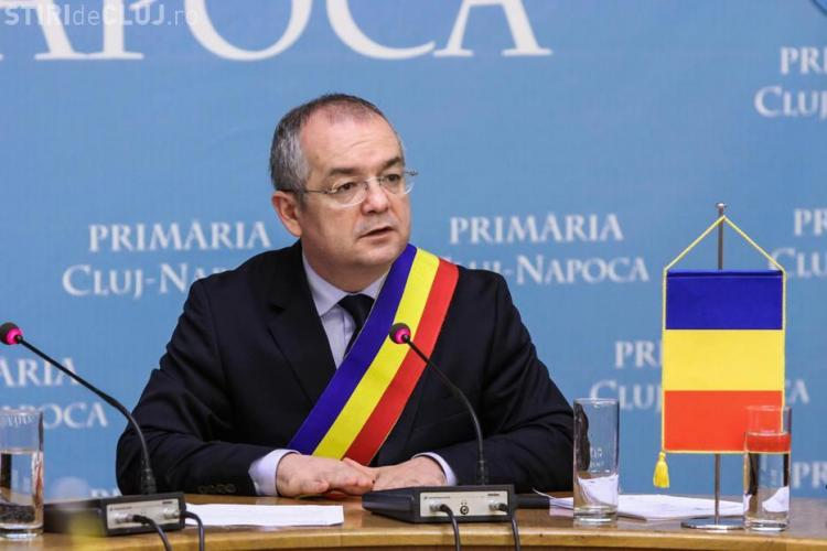 Cum explică Emil Boc subvenționarea bisericilor cu 800.000 de euro