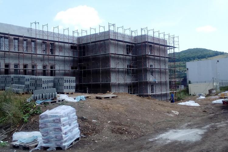 Primăria Florești a reziliat contractul cu firma care construia școala din localitate