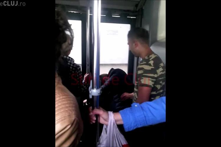 Cluj-Napoca: Drogații fumează chiar în autobuz! - VIDEO