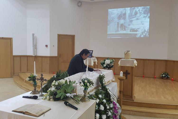 Trupul Doinei Cornea depus la Catedrala Greco-Catolică. Clujenii își pot lua rămas bun - FOTO