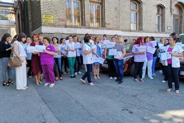 Angajații au protestat la Spitalul Judeţean de Urgenţă Cluj