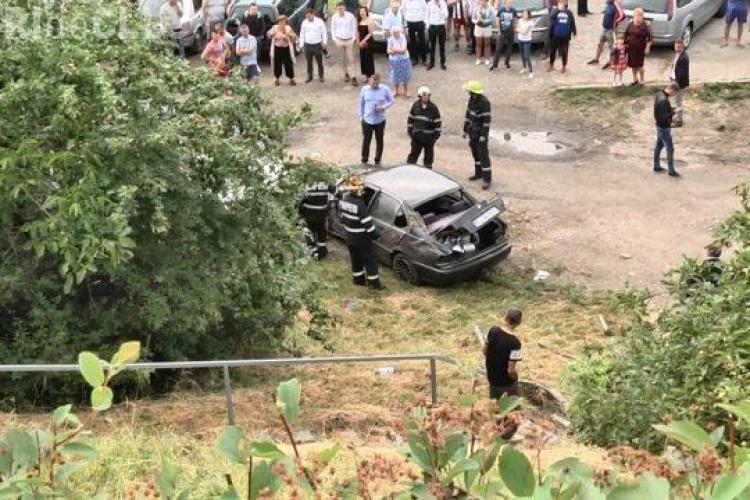 Clujean beat la volan și fără permis a făcut HAOS pe străzile din Mărăști. A plonjat cu mașina de pe podul IRA VIDEO