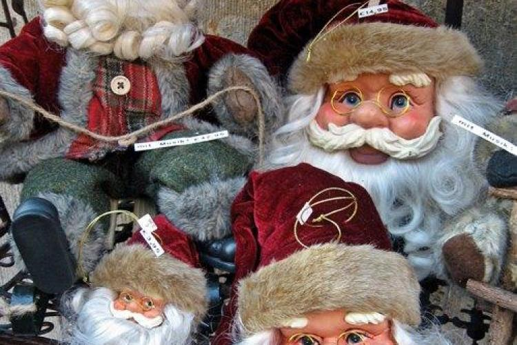 """Copiii cu deficiente isi vor vinde creatiile la Iulius Mall, in cadrul targului """"Copiii, ajutoarele lui Mos Craciun"""""""