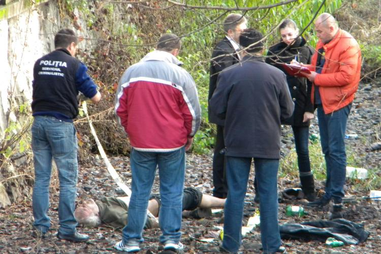 Cadavru descoperit in Canalul Morii, pe strada Salcamului, din cartierul Plopilor! FOTO si VIDEO- Atentie Imagini Socante
