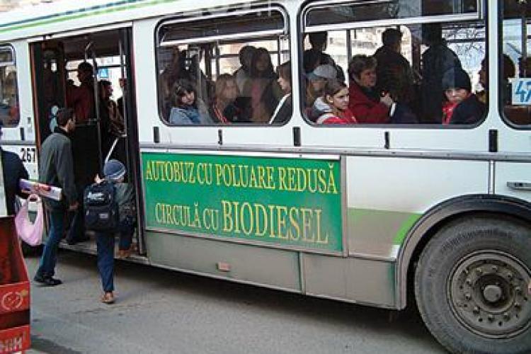 Pensionarii din Cluj circula gratis pe autobuze si in 2011! Majoritatea opteaza pentru abonamente gratuite pe toate liniile
