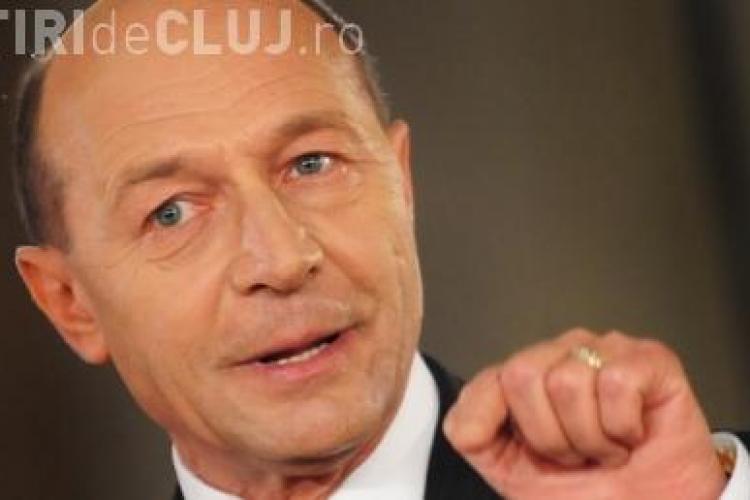 Basescu ii ataca pe politicieni: Au facut ce i-a dus capul, au dublat pensiile si salariile!