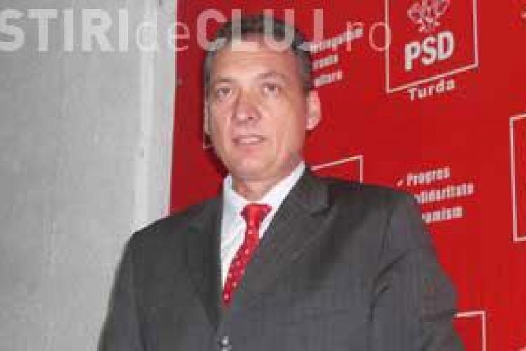 Senatorul PSD Alexandru Cordos sustine ca PDL comaseaza Liceul Sanitar Victor Babes ca sa dea cladirea UDMR -ului