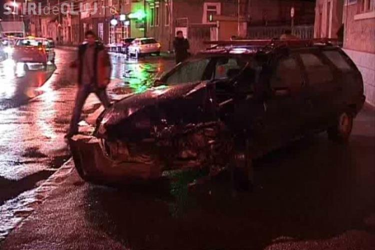 Trei masini avariate si o persoana ranita in urma unui accident pe Calea Manastur, din Cluj-Napoca, in fata USAMV- VIDEO si FOTO