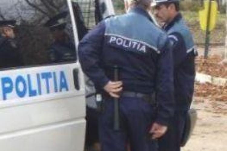 Un minor de 16 ani acuza doi politisti si un jandarm din Floresti ca l-au batut ca sa recunoasca un furt pe care nu-l comisese