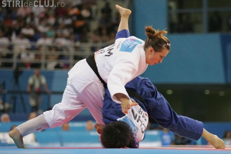 Alina Dumitru a castigat Grand Prix-ul de la Abu Dhabi. Corina Caprioru s-a clasat pe locul trei