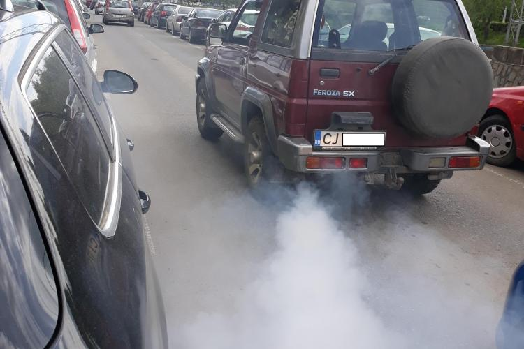 Epavă pe drumurile Clujului. Cum trec de ITP? - FOTO