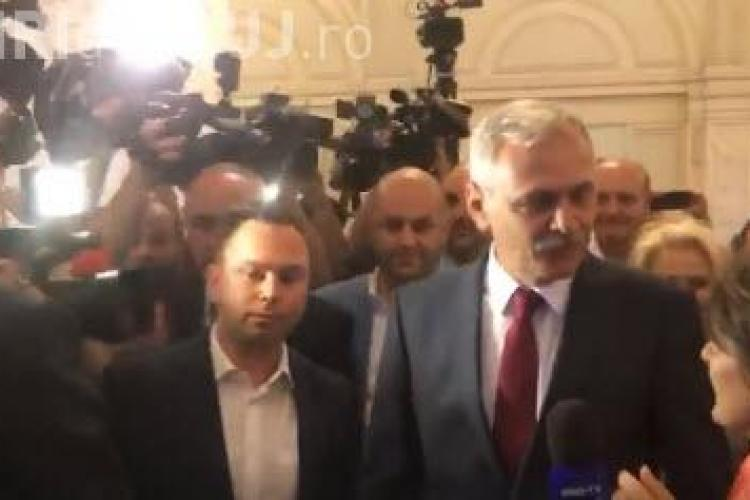 Jurnaliști agresați în Parlament de deputații care îl păzesc pe Dragnea - VIDEO