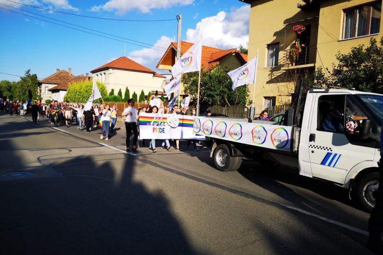 Sute de participanți la marșul gay de la Cluj - VIDEO