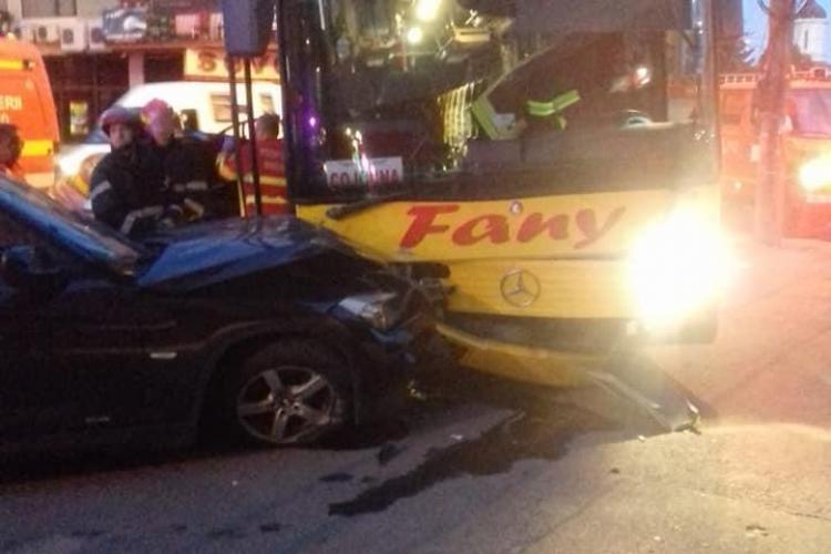 Accident pe strada București! Trei autoturisme și un autocar s-au tamponat la 5 dimineața - FOTO