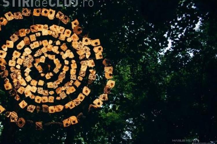 Parcul Central din Cluj a fost luminat de mii de lumanari in cadrul Festivalului Luminii