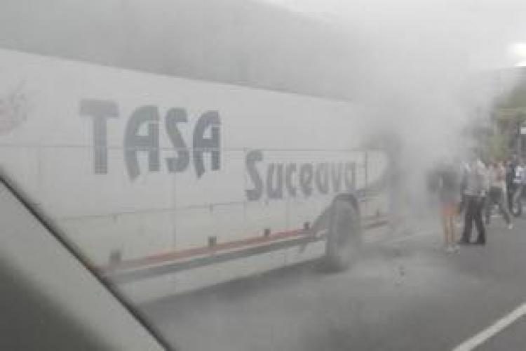 Un autocar a luat foc pe Centura Vâlcele - Apahida - FOTO