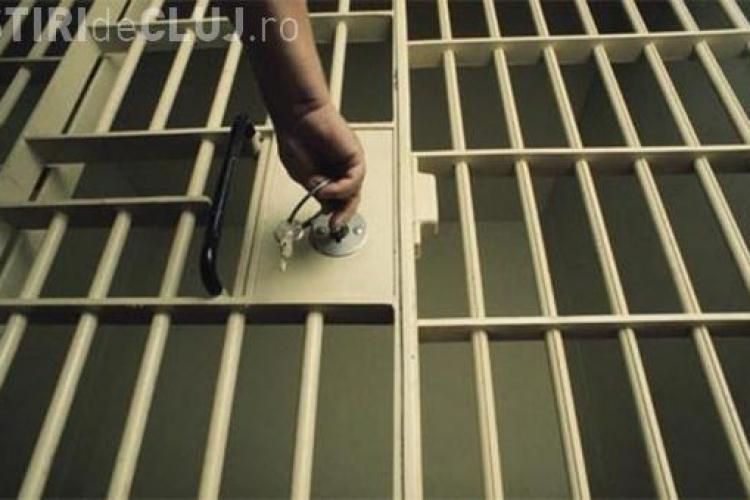 Modificarea Codurilor Penale: Condamnaţii sub 10 de închisoare, eliberaţi dacă au făcut jumătate din pedeapsă