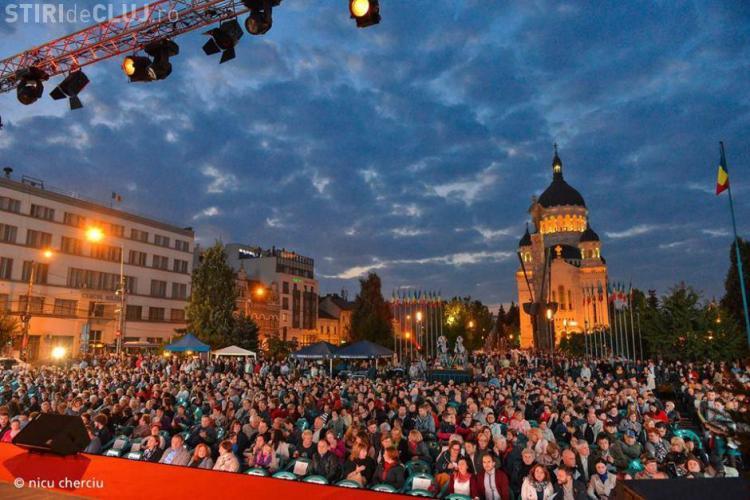 Spectacol de operă în aer liber, în Piața Avram Iancu, la începutul lunii septembrie