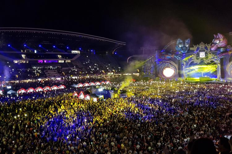 """60.000 de oameni pe stadion, la Untold: """"M...PSD!"""" - VIDEO"""