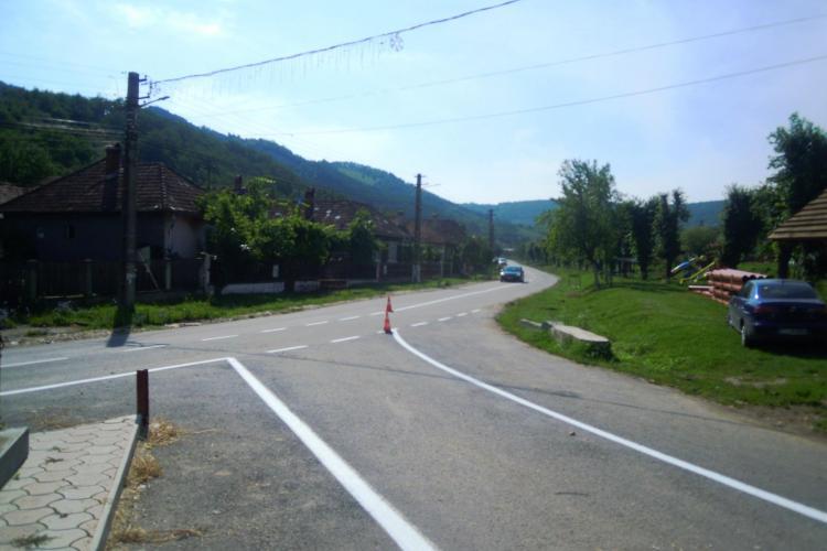 Drumul spre Mănăstirea Nicula a fost asfaltat pentru praznicul Adormirii Maicii Domnului
