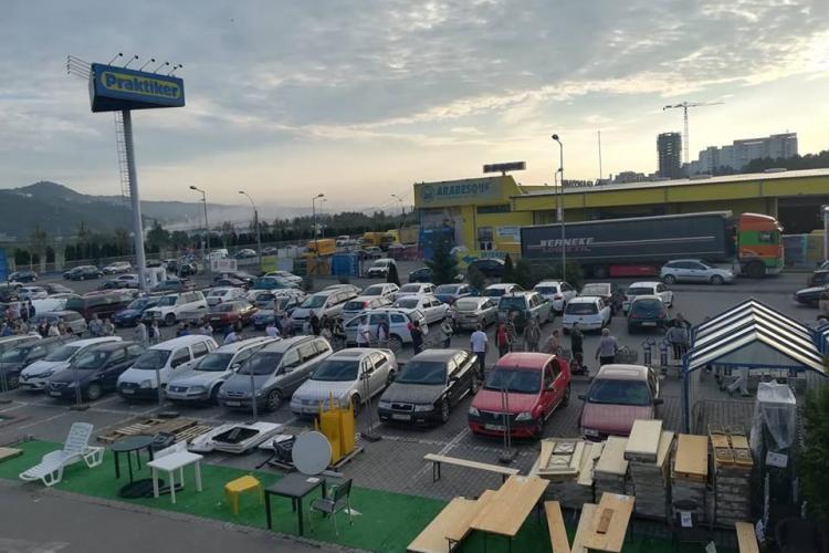 Bătaie pe reduceri la Praktiker Cluj: Nu au românii bani? - VIDEO