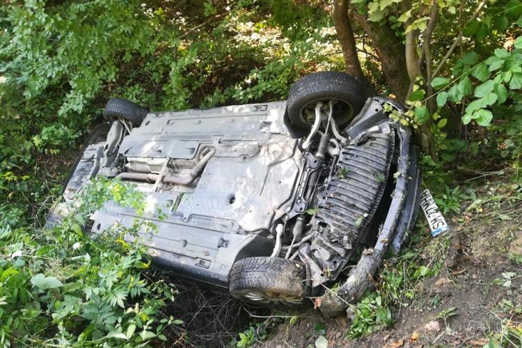 Accident în Făget, pe drumul spre Sălicea! S-a răsturnat - FOTO