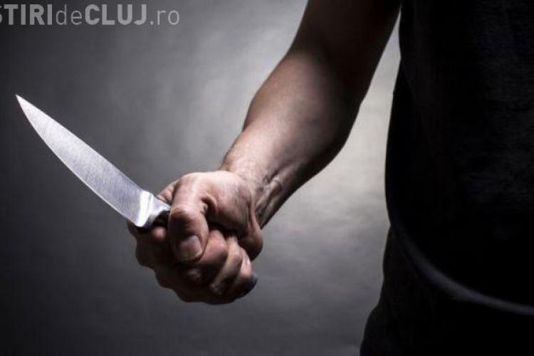 Clujean arestat preventiv, după ce aproape și-a omorât propriul fiu. L-a înjunghiat în stomac