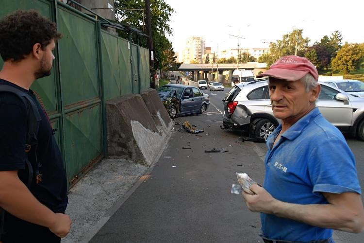 Accident în Mărăști, pe strada Fabricii: Barsan cu BMW vorbind la telefon - FOTO