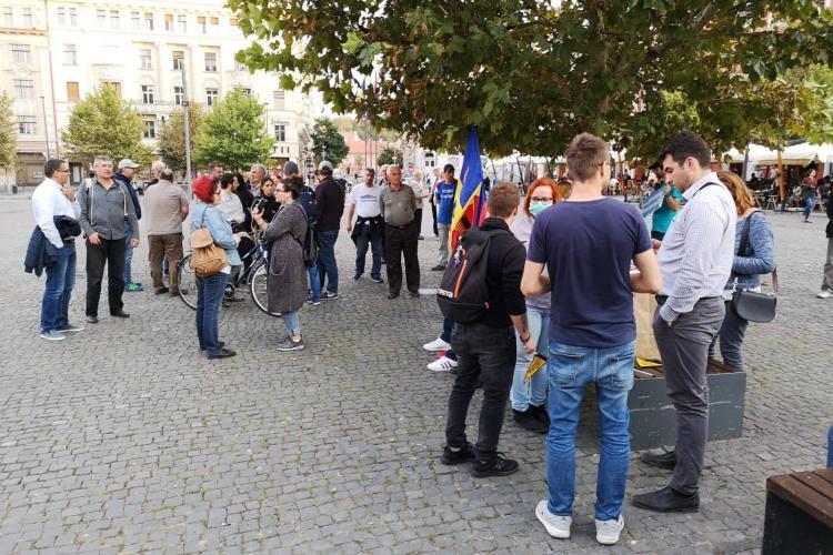 Peste 100 de persoane au protestat la Cluj-Napoca - FOTO