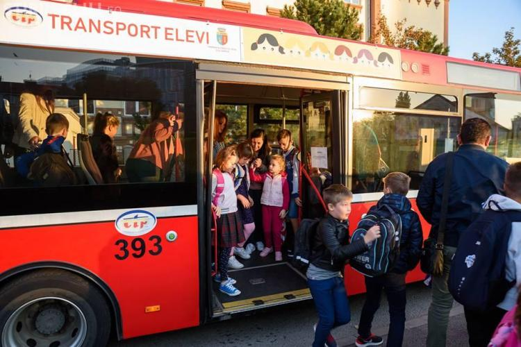 HAOS cu autobuzul școlar la Cluj! Probleme la preluarea copiilor de la Bălcescu - VIDEO