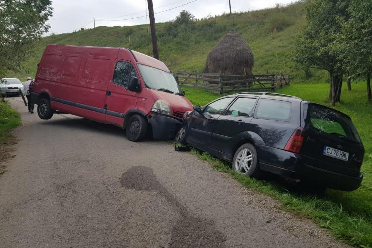 Accident la Ciuleni! S-au tamponat pe un drum aproape necirculat - FOTO