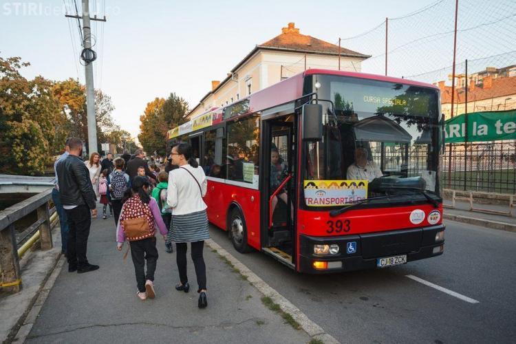 Cluj: Cum a decurs prima zi a proiectului autobuzele școlare. Adulții, cei mai fericiți: Nu mai plătesc abonament - FOTO